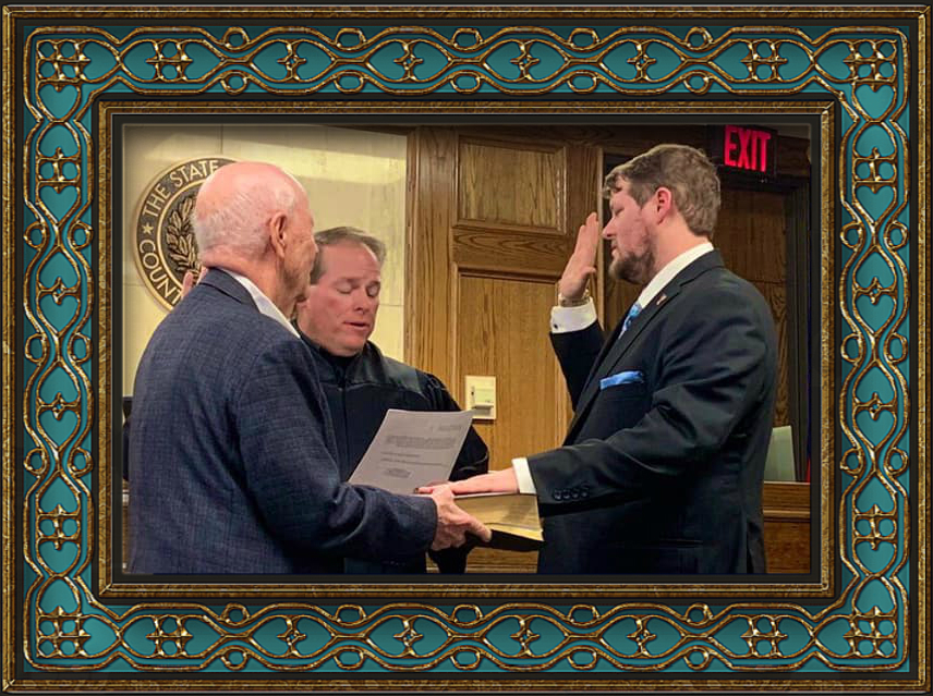 Judge Mark Hocker from Lubbock County Court #3 swearing David into the Texas State Bar